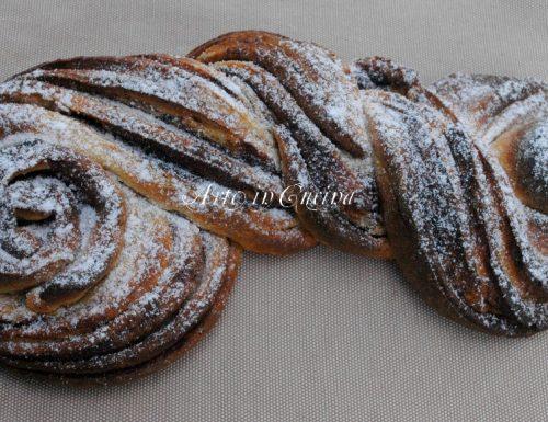 Pan brioche sfogliato al cacao, treccia russa con pasta madre