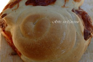 Pan brioche rustico al formaggio per antipasto