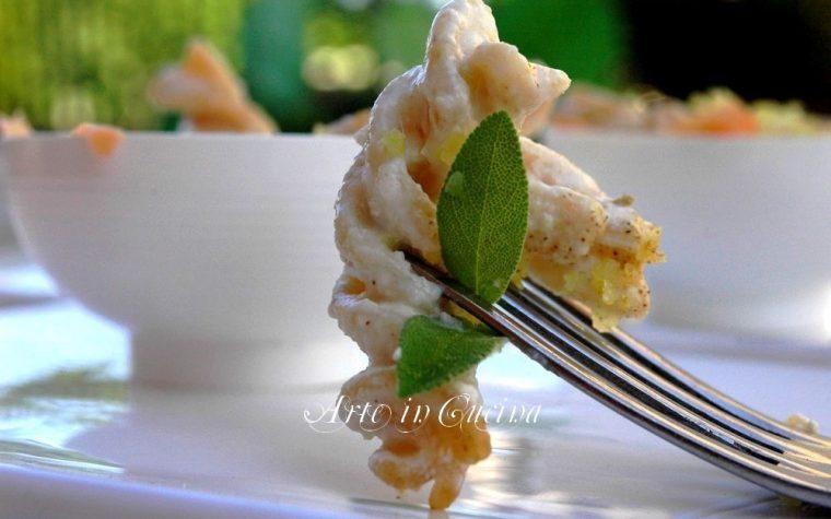 Pasta al salmone yogurt greco e limone