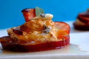 Semifreddo senza cottura con pesche e albicocche