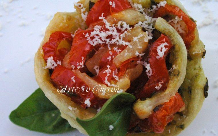 Torta di rose salata pomodoro e pesto