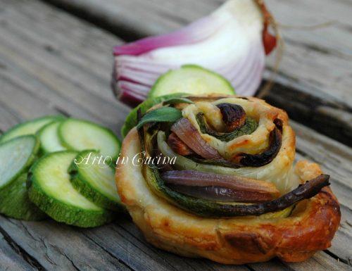 Torta di rose con zucchine e cipolle