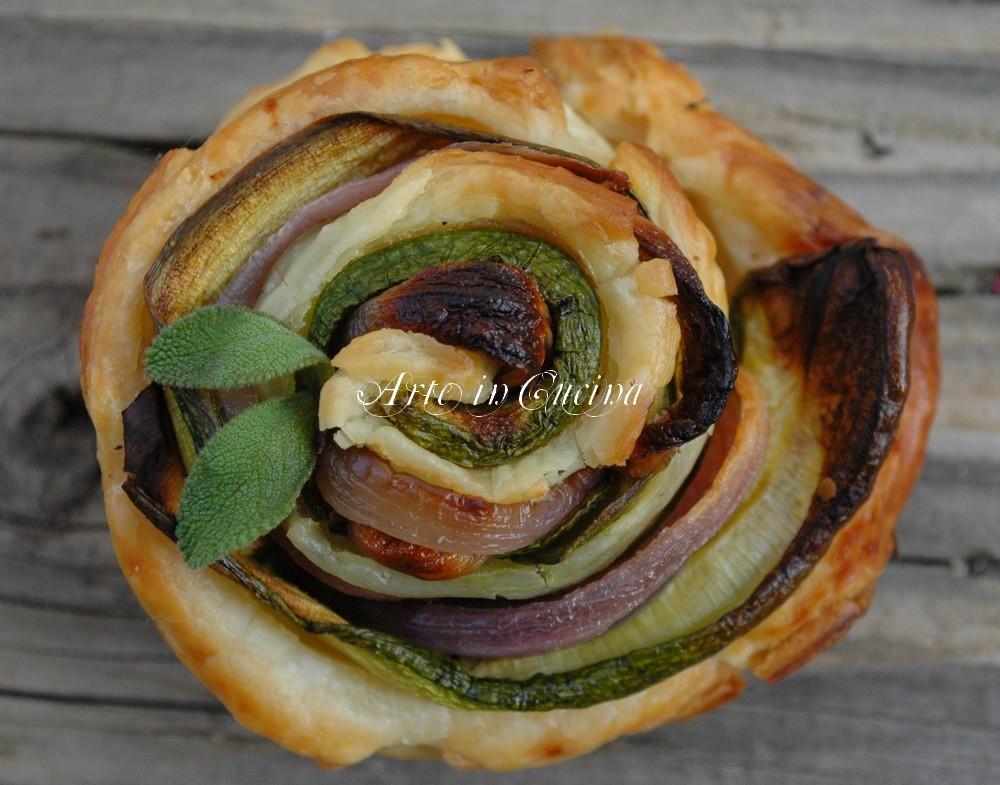 Torta di rose con zucchine e cipolle ricetta arte in cucina