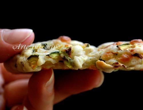 Pizzette con zucchine e scamorza