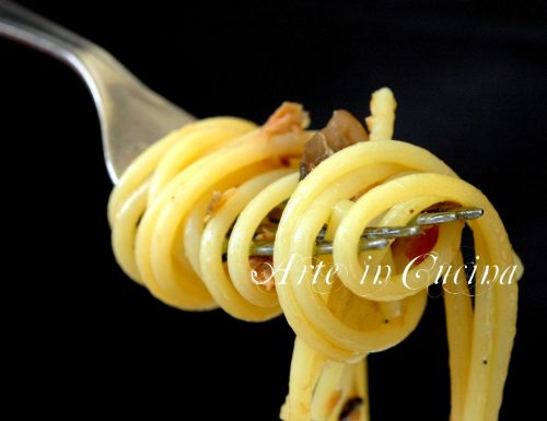 Spaghetti funghi pancetta e tonno alla carrettiera