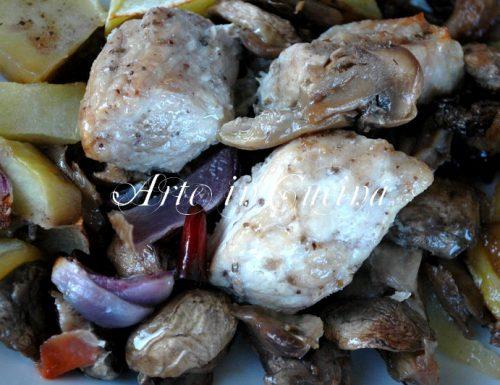 Bocconcini di maiale con patate cipolla e funghi ricetta secondo