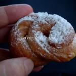 Frittelle con panna fortaies o frisgioli longhi vickyart