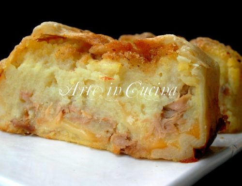 Polpettone di patate e tonno in crosta di sfoglia