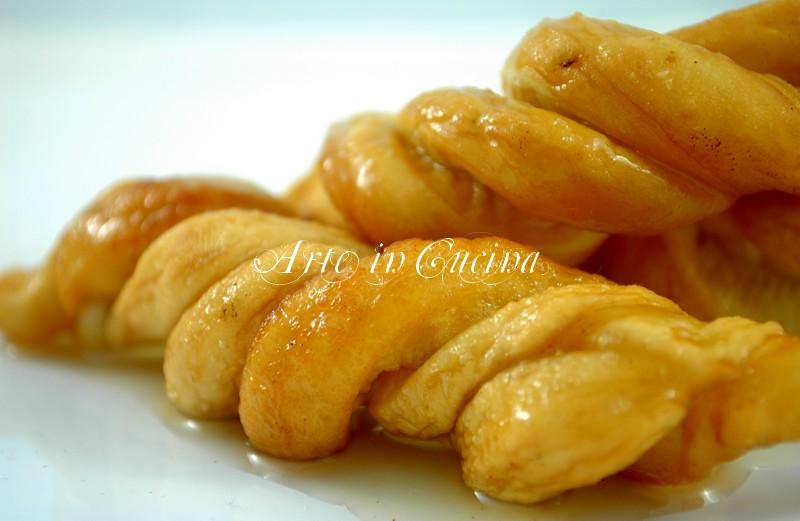 dolci-carnevale-origliette-sarde-1