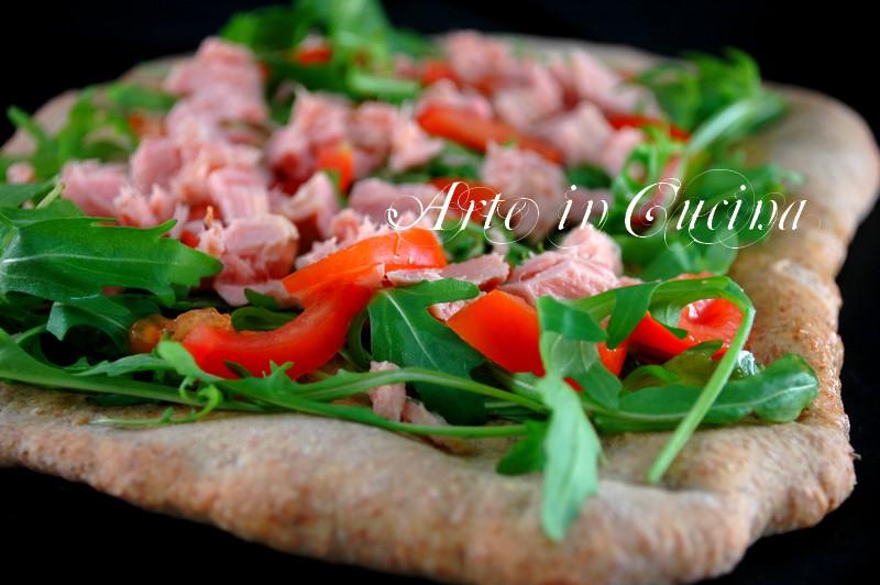 pizza-integrale-tonno-rucola-pomodori-7