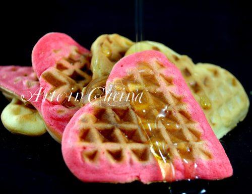 Waffle o gaufre colorati a colazione ricetta veloce