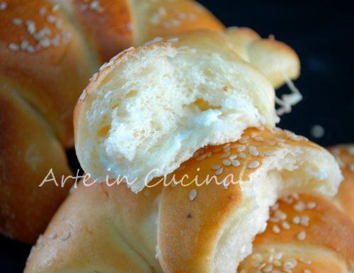 Cornetti ai formaggi sofficissimi e facili