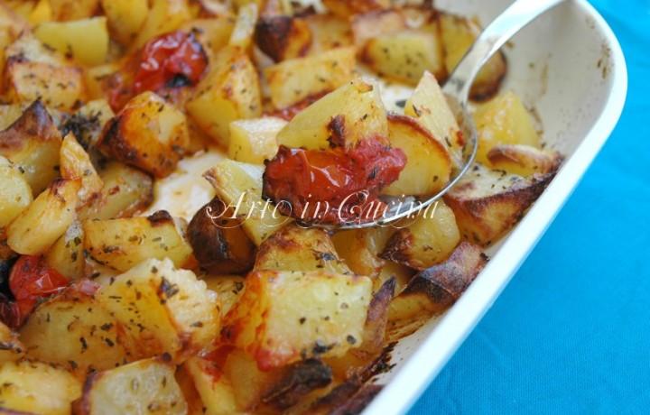 Patate al forno con origano e pomodorini