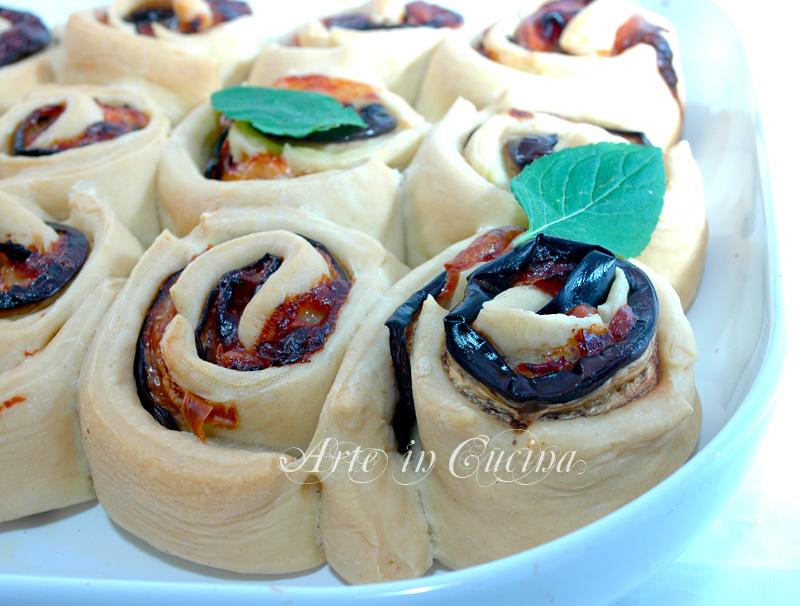 Torta di rose salata alle melanzane per feste e buffet ricetta arte in cucina