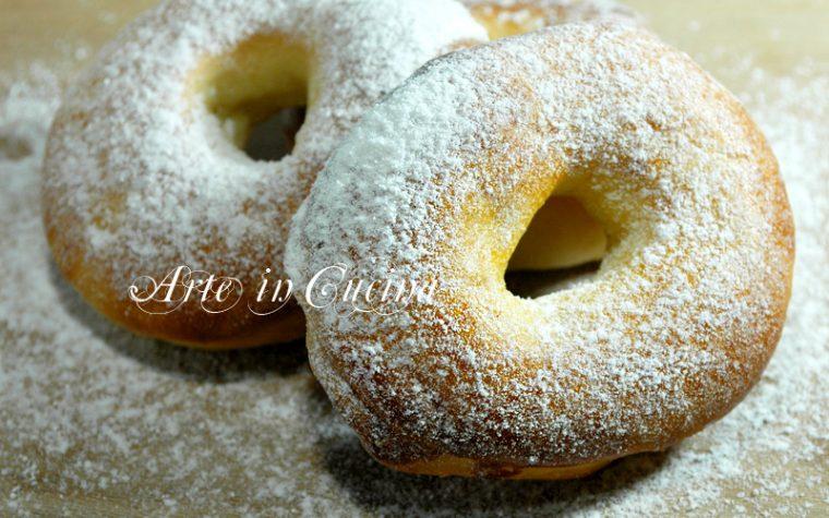 Ciambelle di pan brioche per colazione
