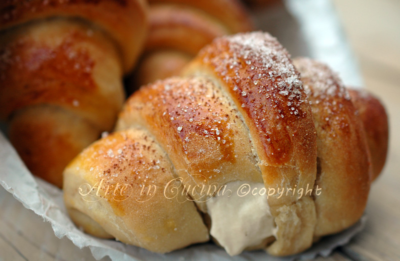 cornetti-al-caffe-con-crema-1a