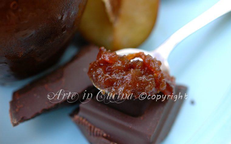 Marmellata di prugne zenzero e cioccolato