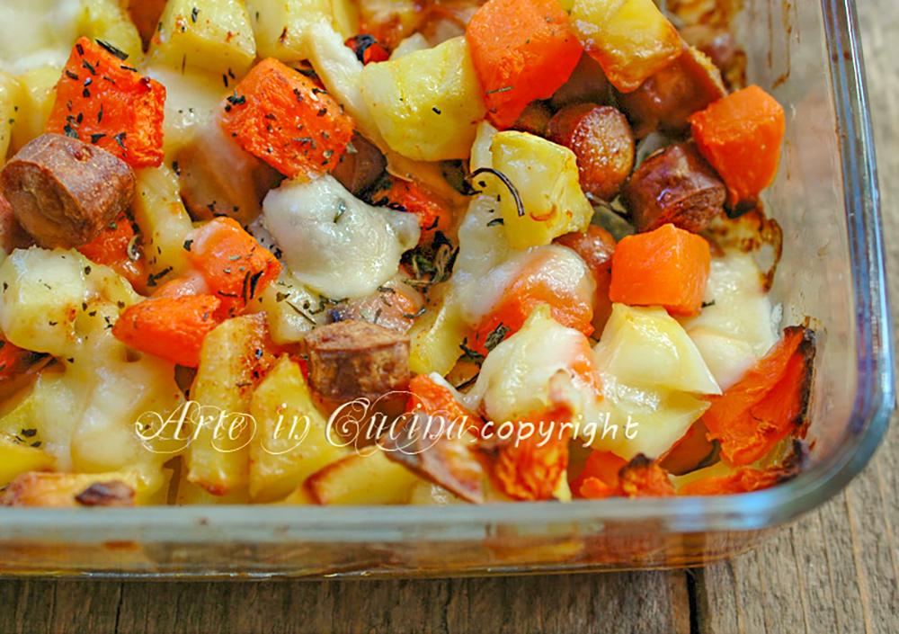 Patate e zucca al forno con wurstel e scamorza arte in for Cucinare wurstel al forno
