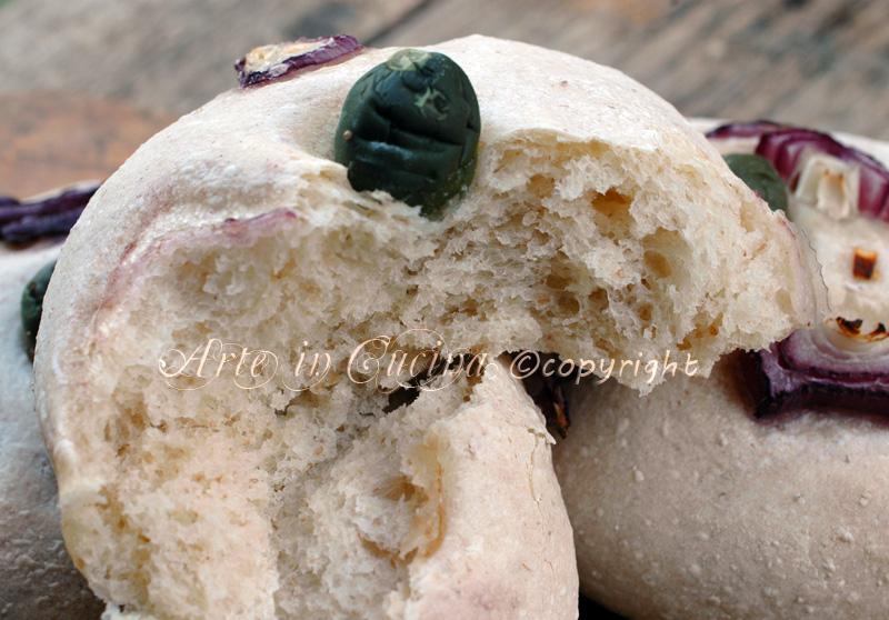 Panini morbidi con cipolle e olive ricetta arte in cucina