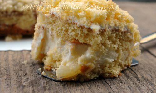 Torta mimosa all ananas e crema chantilly