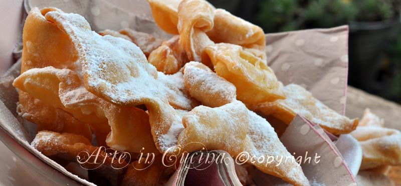 Bugnes dolci di carnevale ricetta facile e veloce - Cucina giallo zafferano ...
