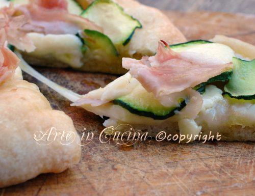 Pizza con pasta da riporto