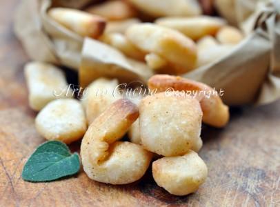 Stuzzichini lievitati paprica ricetta facile arte in - Cucina giallo zafferano ...