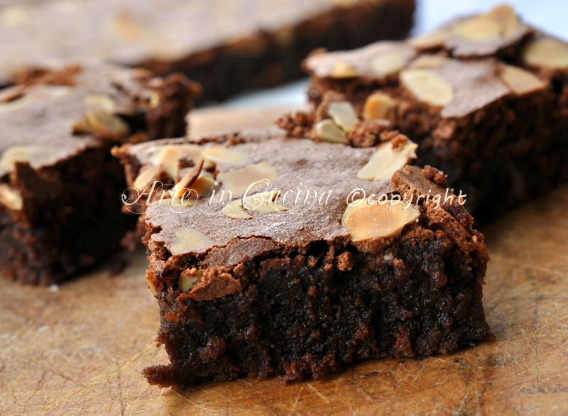 torta-cioccolato-fondente-senza-farina-ricetta-arte-in-cucina-2