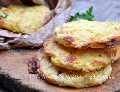 Hamburger di patate al forno con formaggio
