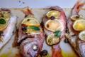 Pesce al forno con limone e capperi