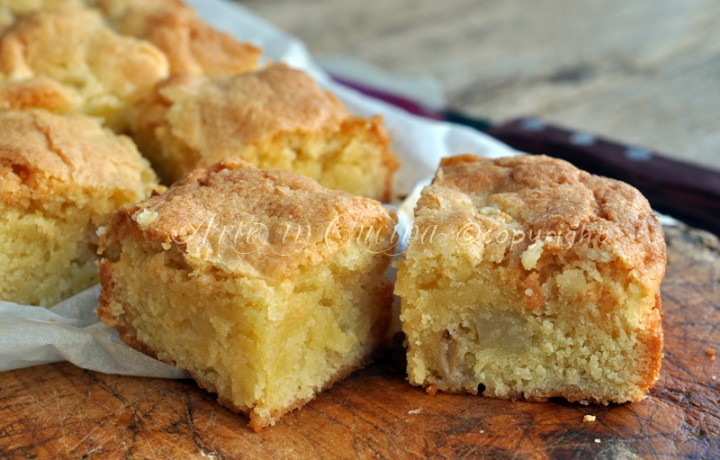 Blondies alle pere ricetta dolce veloce