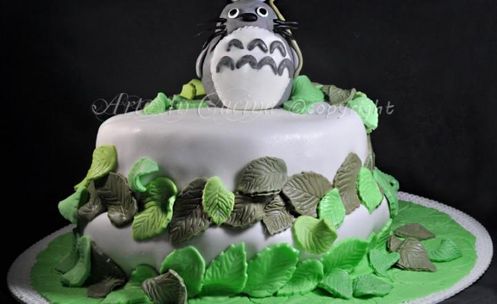 Torta Totoro con pasta di zucchero a 2 piani