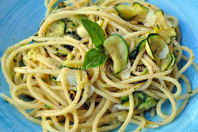 Spaghetti alla nerano con zucchine ricetta facile arte for Cucina facile ricette