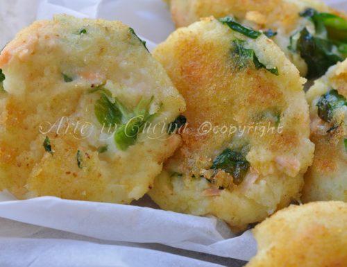 Tortine salate di patate e salmone