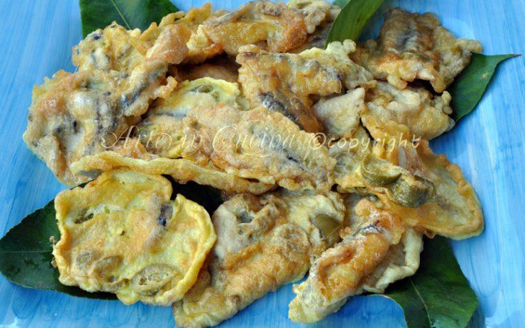 Alici impanate e fritte con olive ricetta facile
