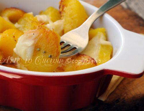 Patate gratinate al forno con mozzarella