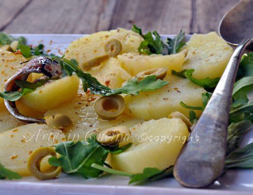 Patate in umido con olive e bottarga ricetta sarda
