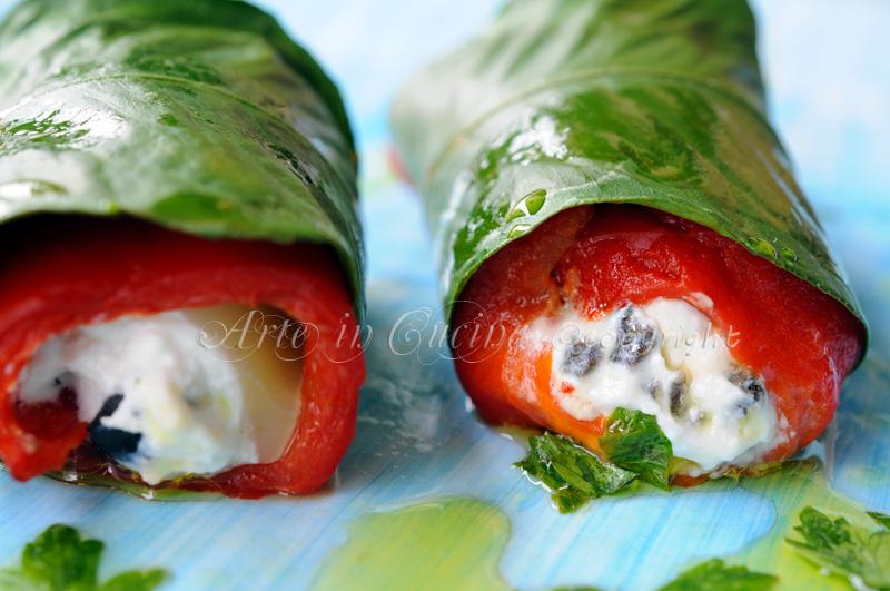 Rotolini di peperoni ripieni con ricotta al limone e olive antipasto vickyart arte in cucina