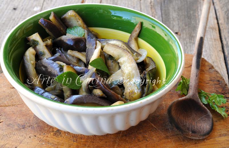 Melanzane in padella con cipolla ricetta sarda