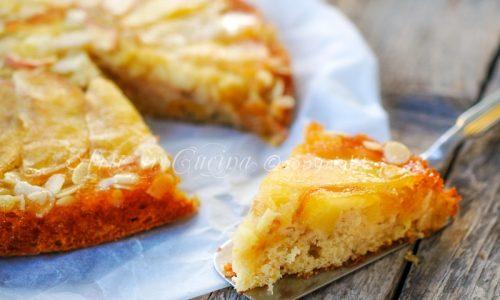 Rovesciata alle mele e mandorle torta veloce
