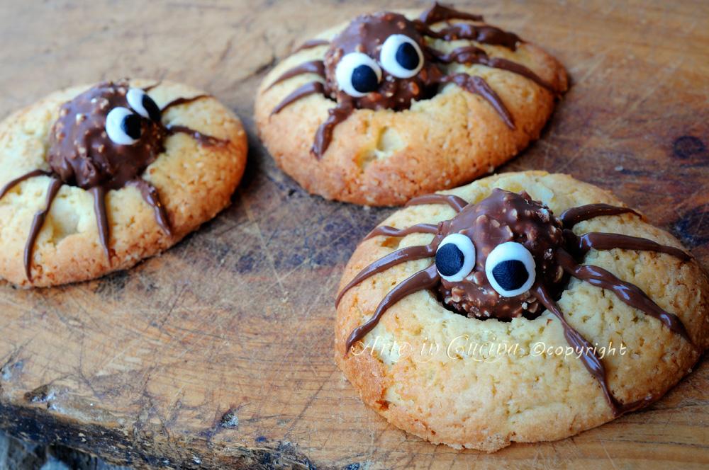 Popolare Biscotti di halloween ragnetti con ferrero rocher | Arte in Cucina FD04