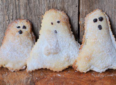 Fantasmini dolci di halloween ripieni alla nutella