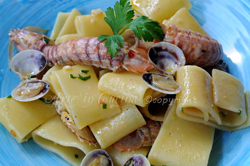 paccheri con cicale di mare e vongole vickyart arte in cucina