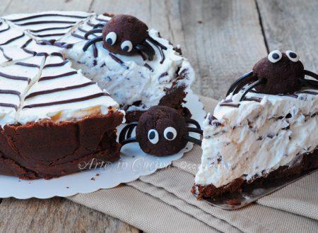 Torta ragnatela per halloween panna e cioccolato