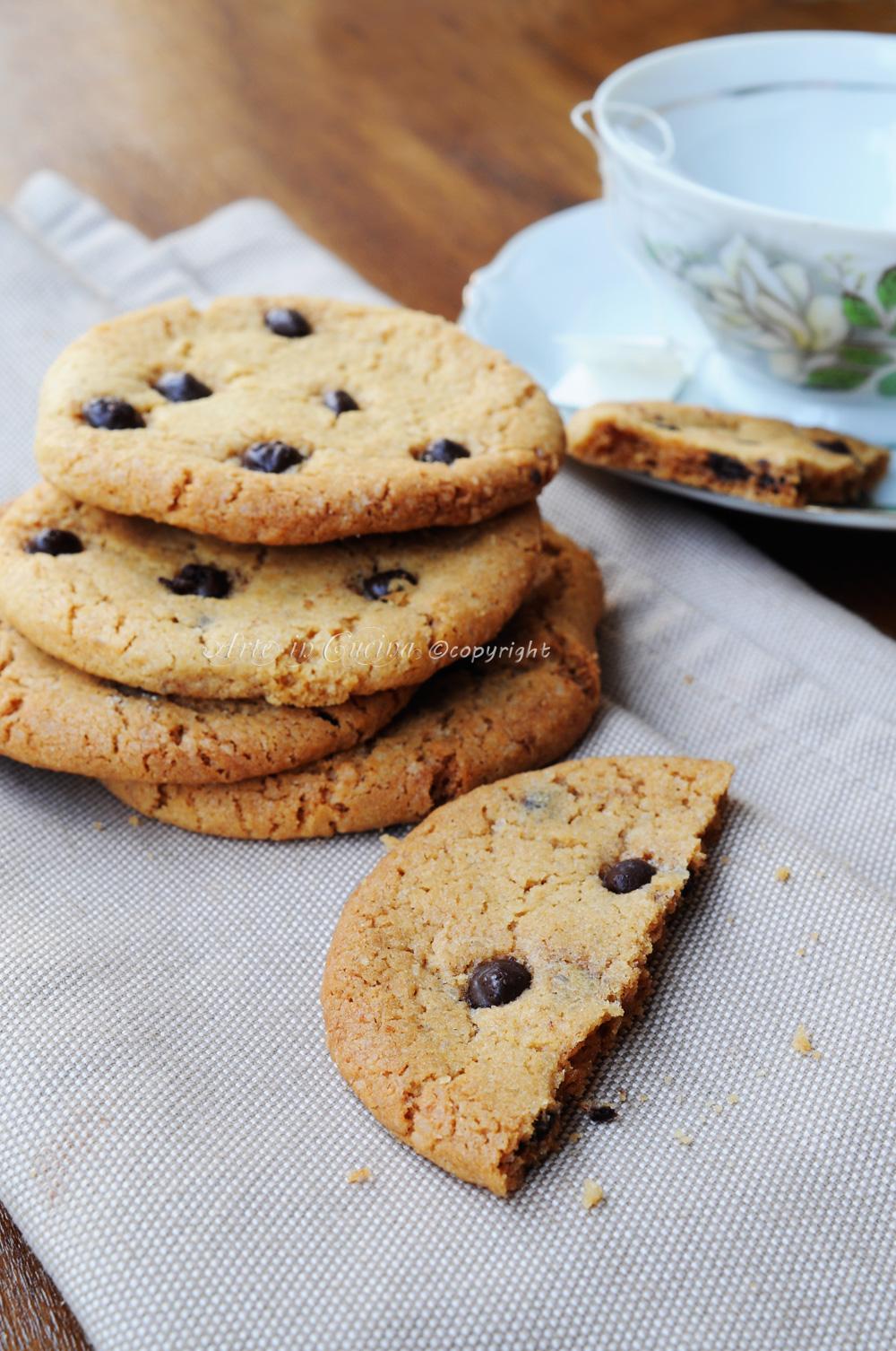 Ricetta Cookies Facile E Veloce.Cookies Americani Ricetta Biscotti Con Cioccolato