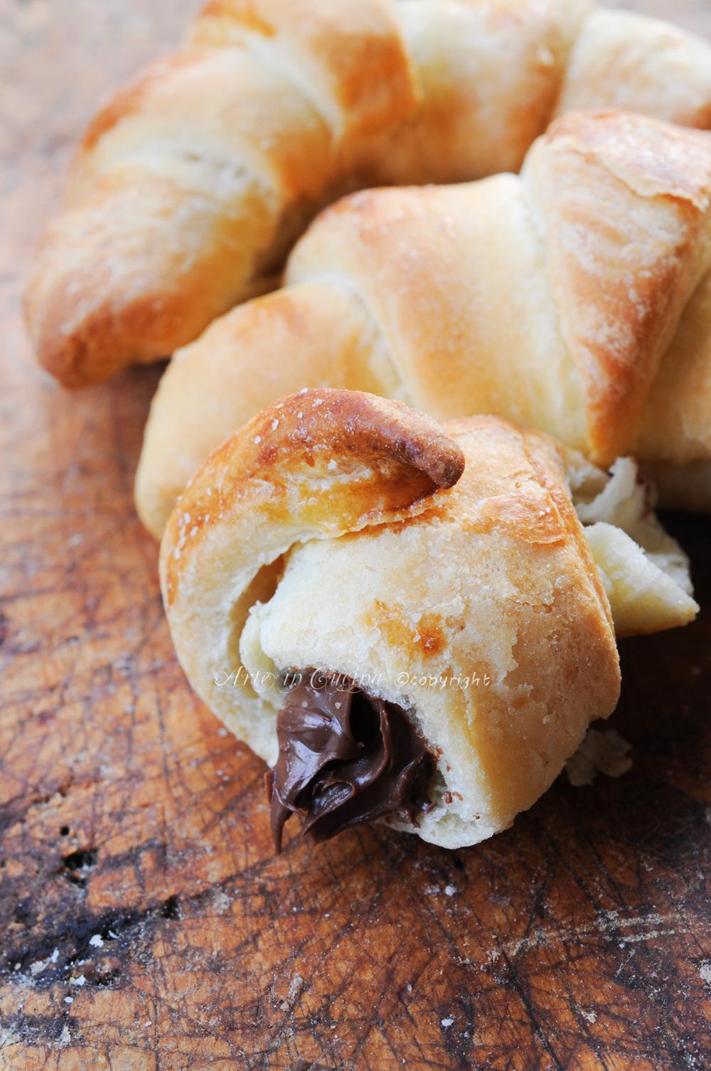 Cornetti alla nutella sfogliati ricetta facile vickyart arte in cucina