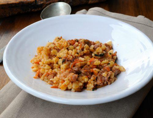 Fregola con funghi e salsiccia ricetta sarda