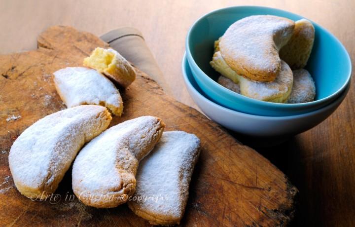 Kourabiedes biscotti greci alle mandorle