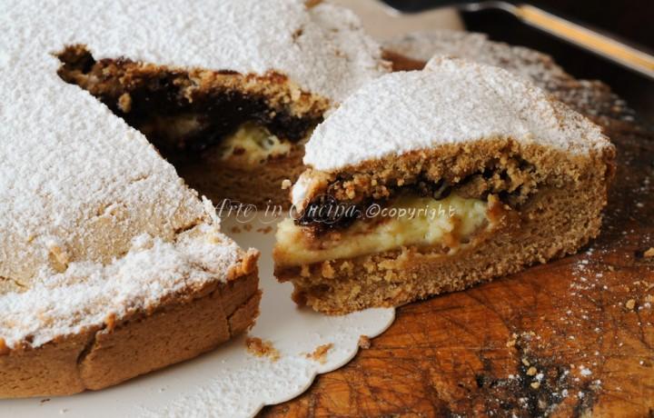 Torta di biscotti ripiena cioccolato e mascarpone al forno