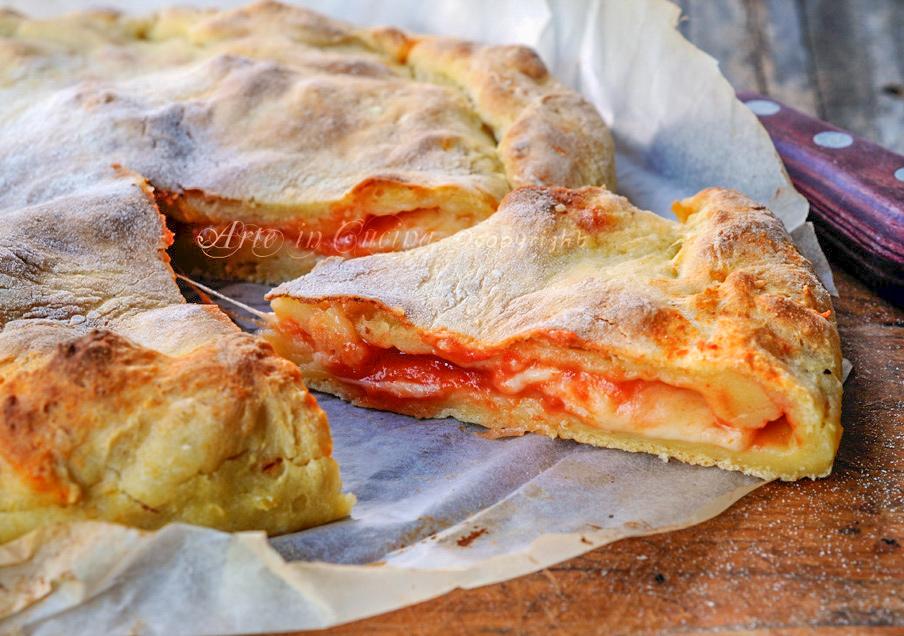 torta-pizza-focaccia-patate-ripiena-mozzarella-pomodoro-facile-veloce-3